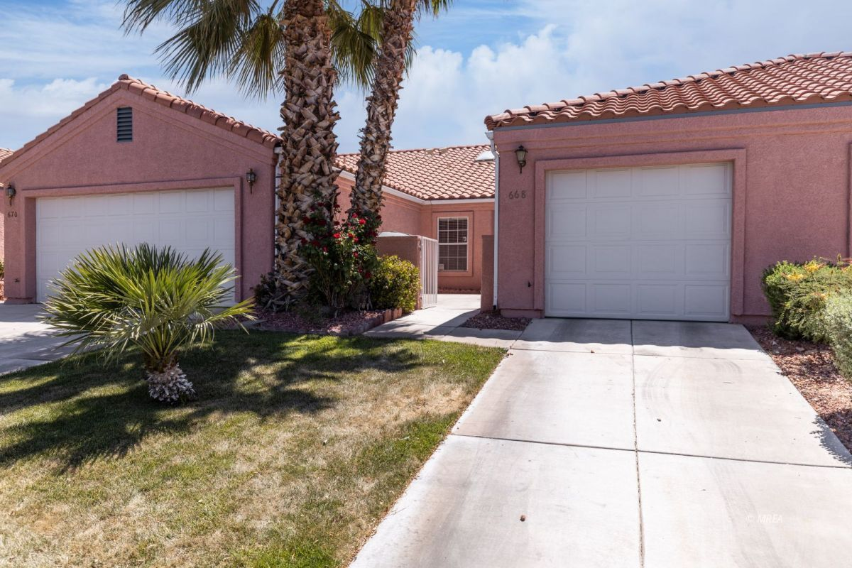 668 Peartree , Mesquite NV 89027