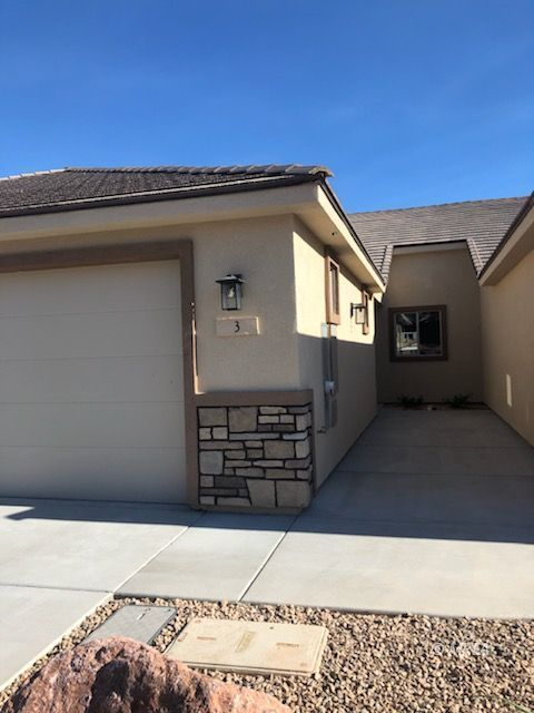 571 Marilyn Pkwy #3, Mesquite NV 89027