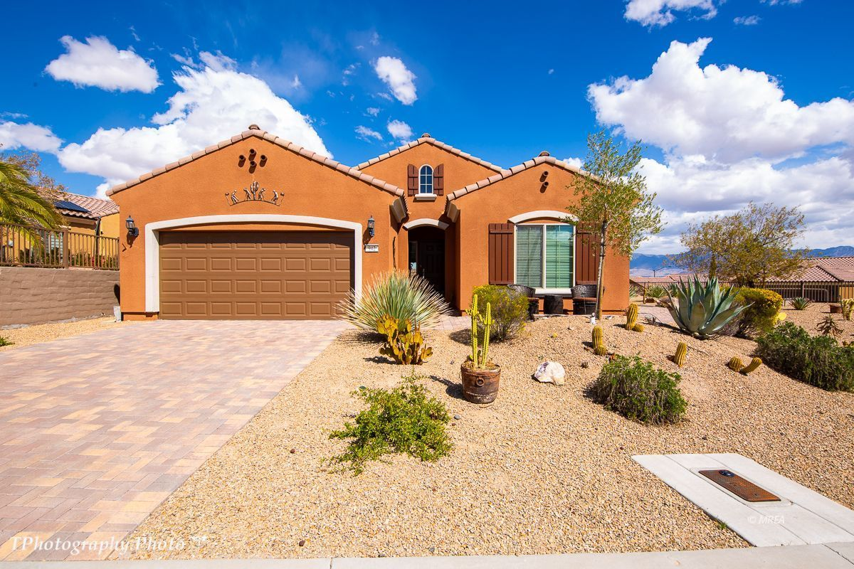 942 Blazing Star Xing , Mesquite NV 89034