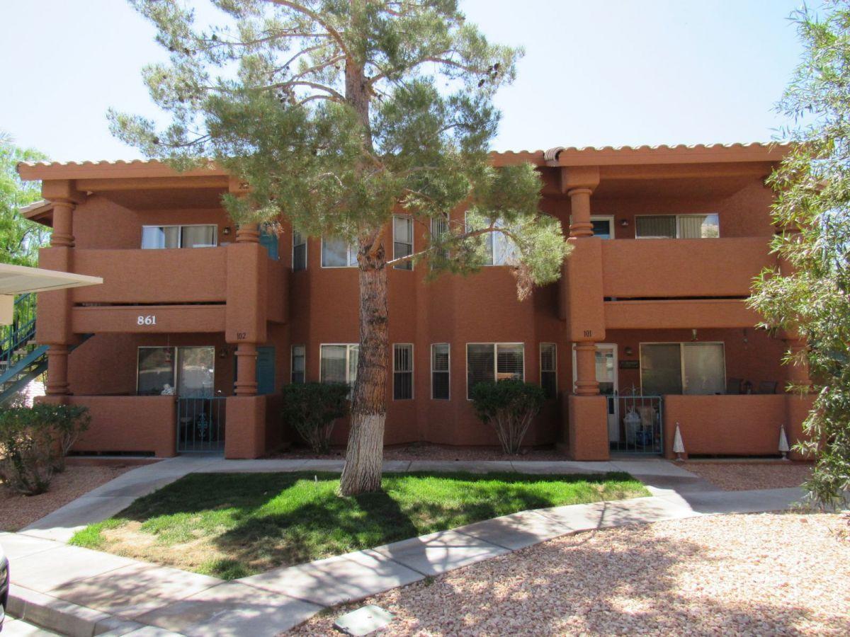 861 Mesquite Springs Dr #201, Mesquite NV 89027